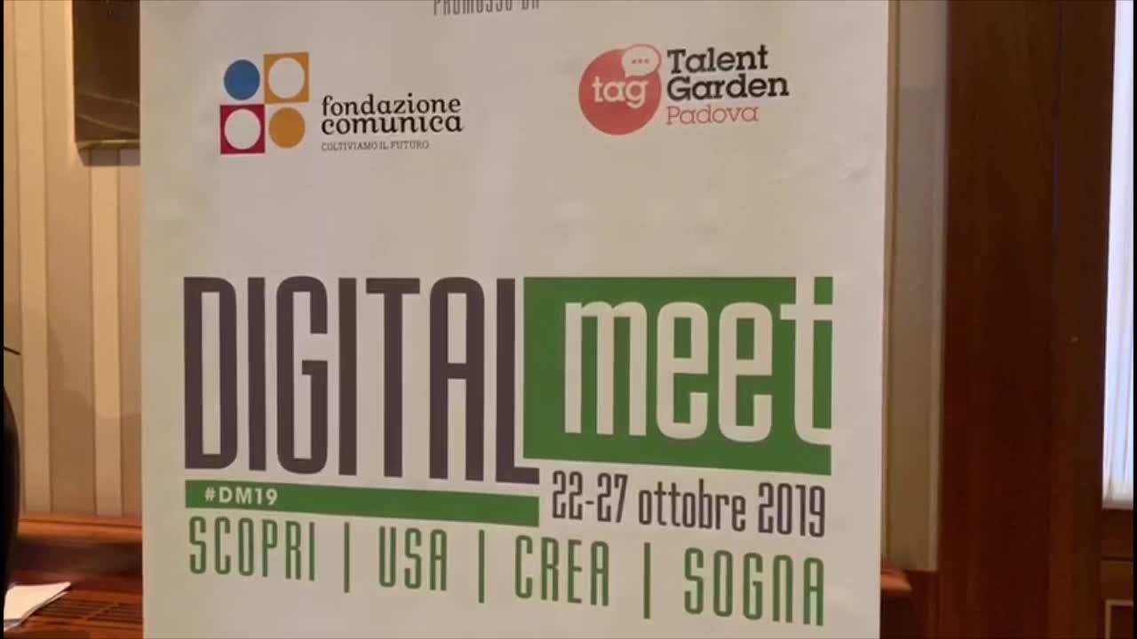 Video: L'alfabetizzazione digitale con il festival Digitalmeet
