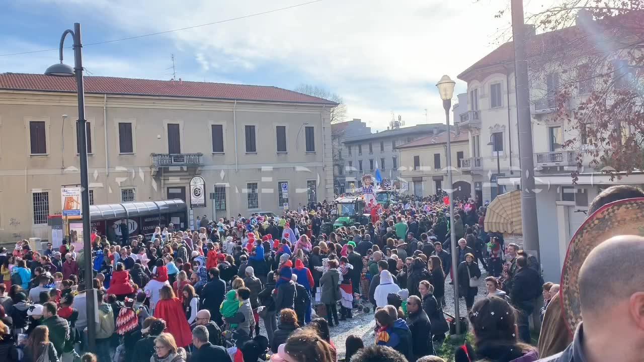 Video: Il sole bacia il Carnevale di Busto