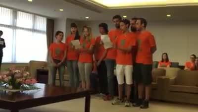 """Video: """"Gaudeamus Igitur"""" in giapponese per gli studenti dell'Insubria"""