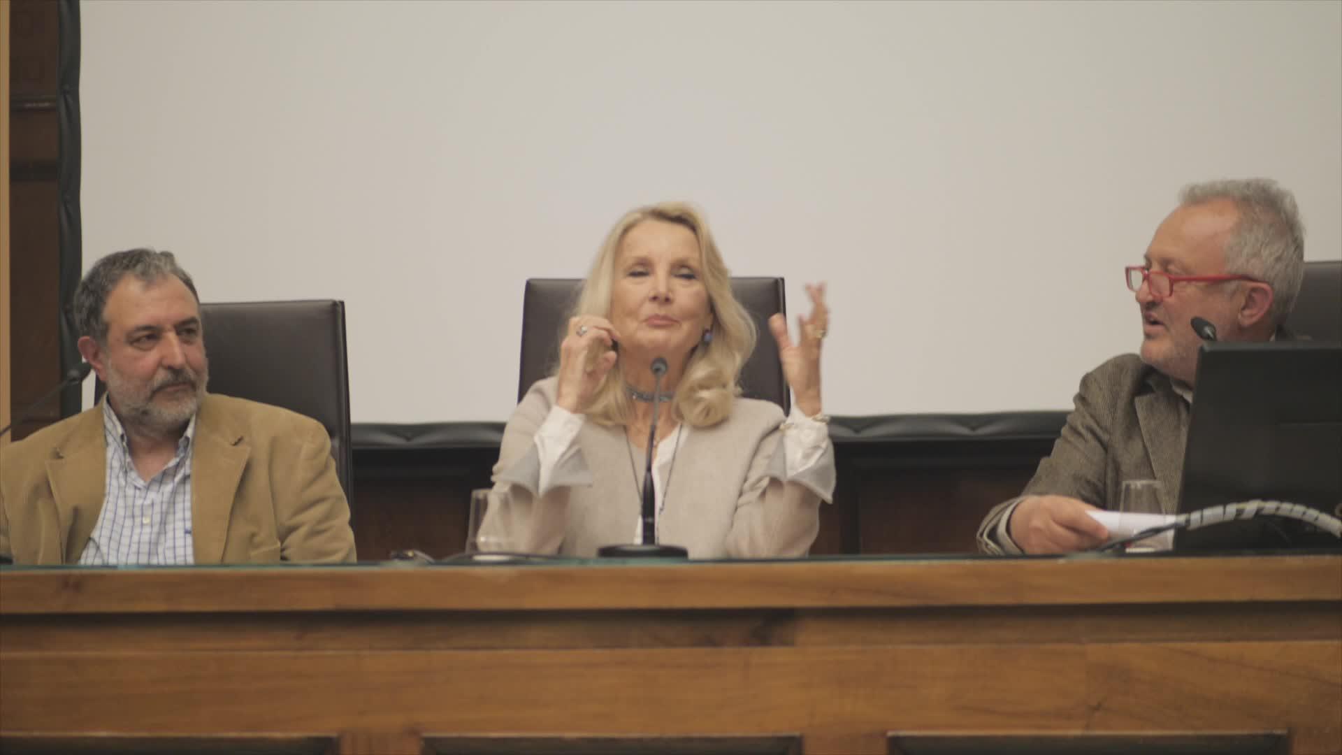 Video: Barbara Bouchet a Varese