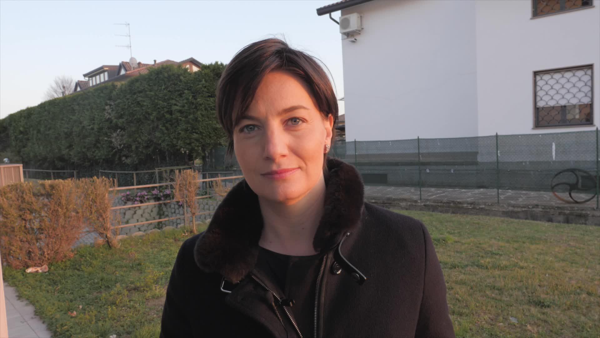 """Video: Lara Comi presenta alle associazioni il """"manuale dei fondi europei"""""""