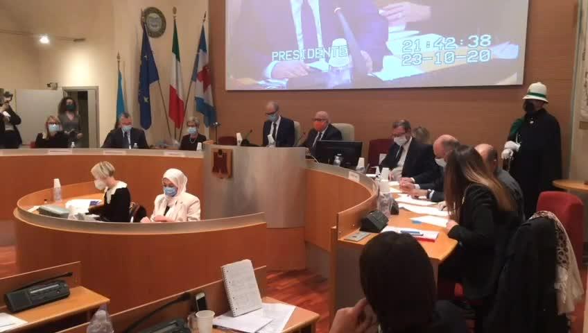 Video: Saronno, il giuramento del sindaco Augusto Airoldi