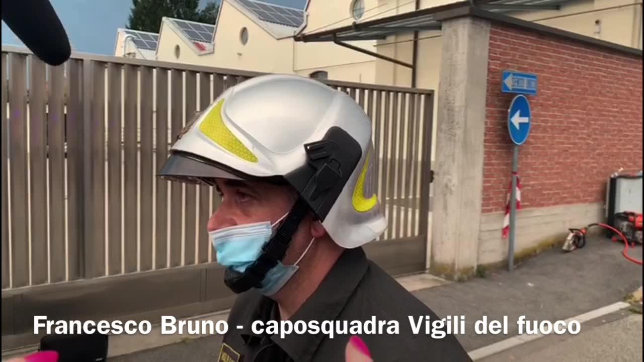 Video: I vigili del fuoco tra le macerie ad Albizzate