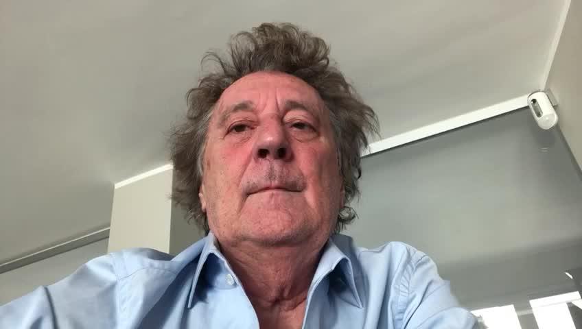 """Video: Enzo Iacchetti a sostegno della raccolta fondi de """"Il Circolo della Bontà"""""""