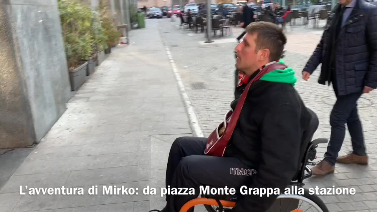 Video: L'avventura in carrozzina di Mirko