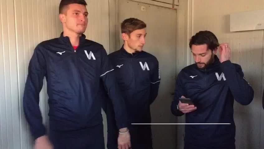 Video: Caos Calcio Varese, i giocatori tornano ad allenarsi (ma entrano in silenzio stampa)