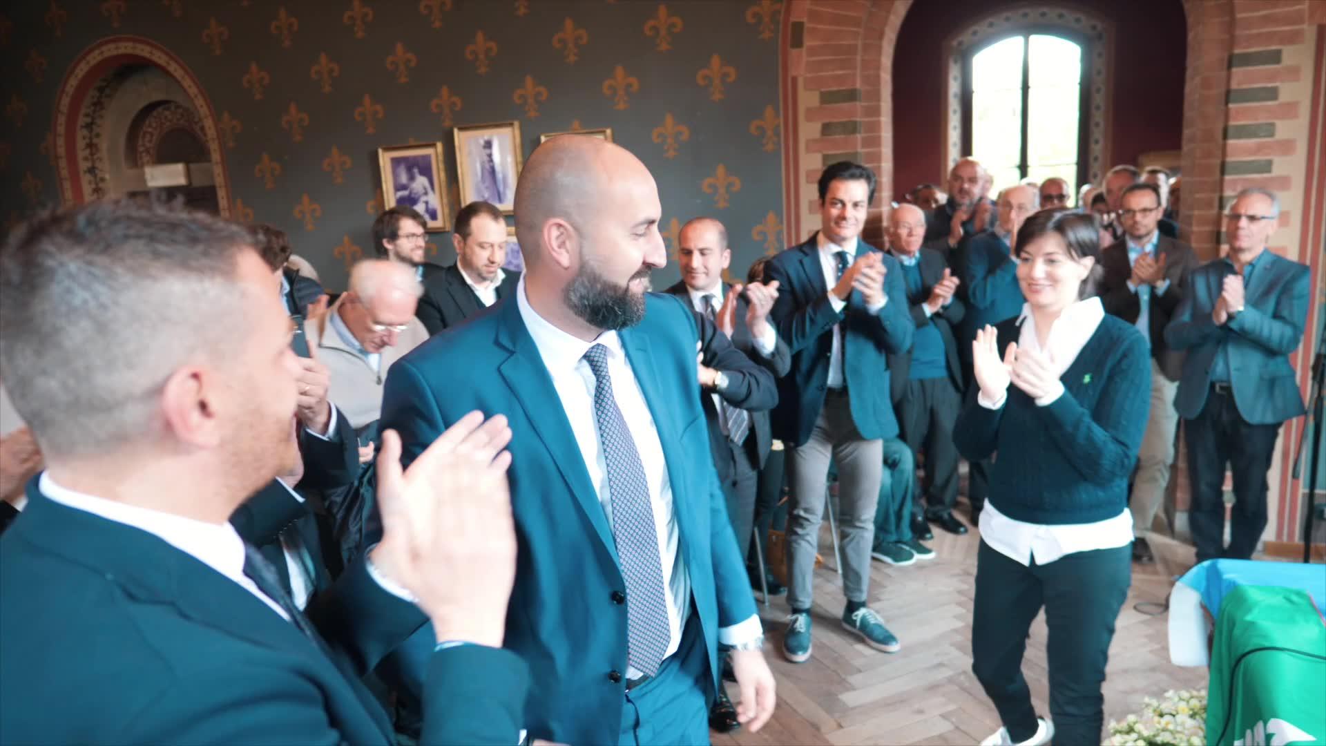 Video: Comi passa il testimone a Carmine Gorrasi, il bustocco guiderà Forza Italia