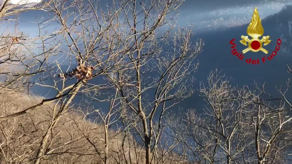 Video: Incendio Monte Martica, al lavoro sull'Alpe Cuseglio – sabato