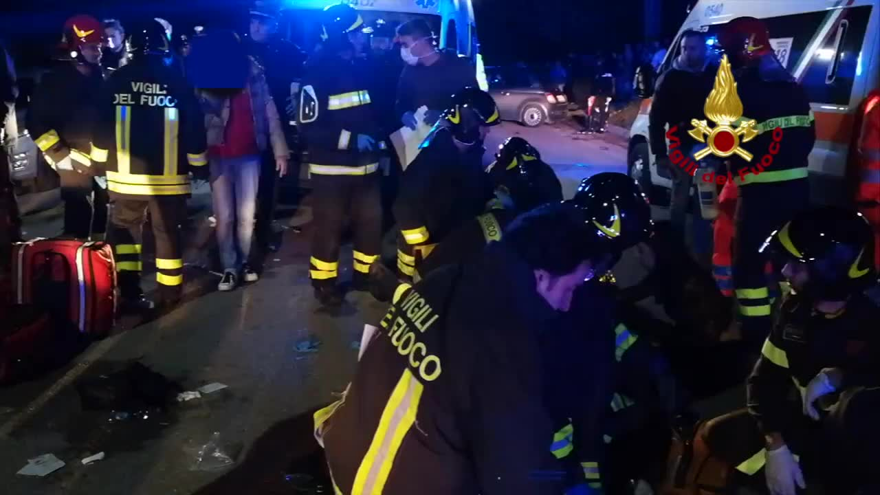Video: Sei morti e decine di feriti fuori dalla discoteca