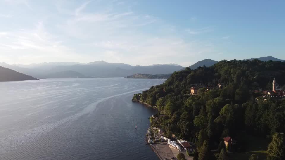 Video: In volo sul Lago Maggiore