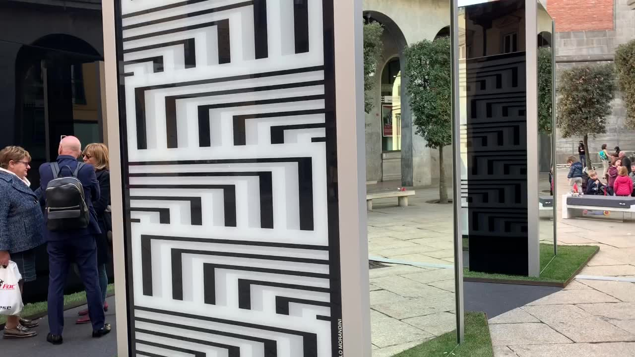 Video: Il glass emotion park