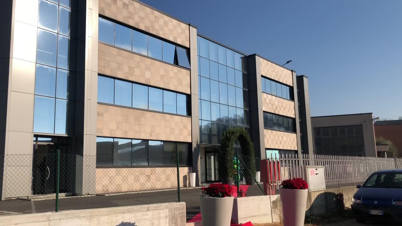 Video: Lati, inaugurato il nuovo magazzino a Gornate