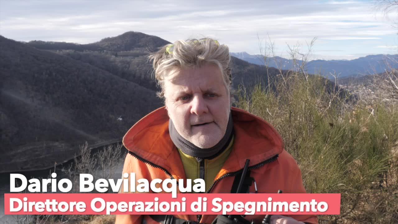 Video: La direzione delle operazioni antincendio da Boarezzo