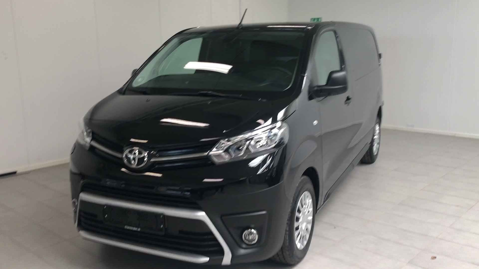 Toyota ProAce D 122 Medium Comfort Master aut.