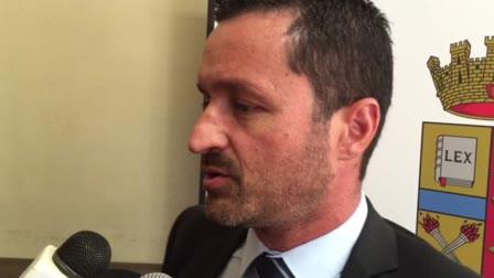 Video: Giacca e cravatta addio, il manager si reinventa guida turistica