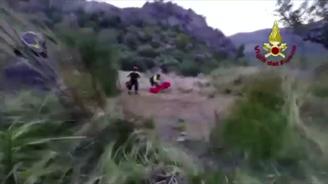 Video: Dispersi nel torrente Raganello, vigili del fuoco al lavoro in Calabria