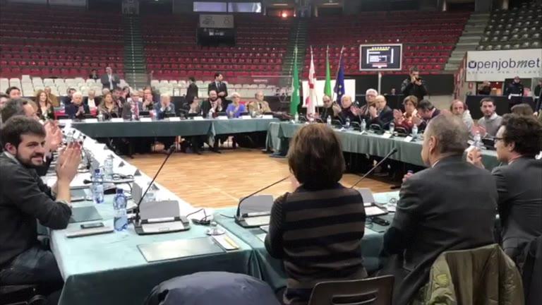 Video: Pozzecco e Meneghin nuovi cittadini onorari