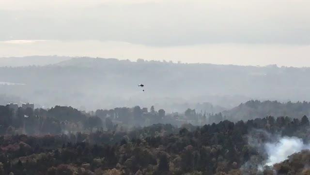 Video: Ancora lanci d'acqua sul fronte dell'incendio