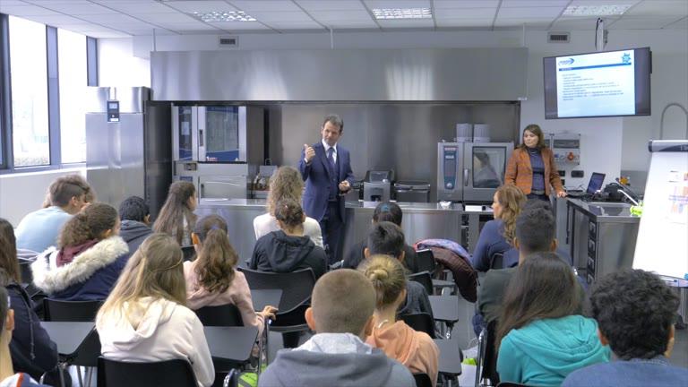 Video: Visita delle scuole alla Gnodi di Somma Lombardo