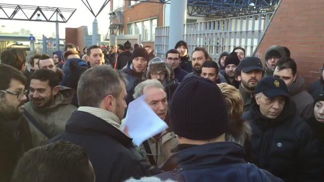 Video: Tensione allo sciopero AgustaWestland fra i lavoratori
