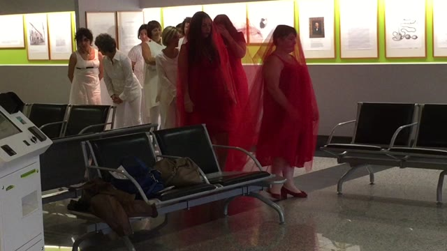 Video: Flash mob in ospedale contro la violenza alle donne