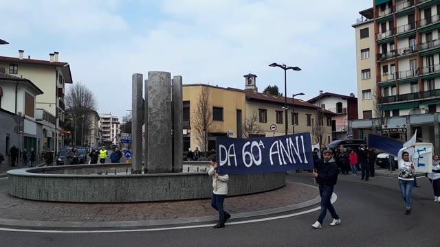 Video: Flash mob degli ospiti di Anffas a Somma Lombardo