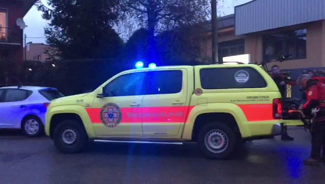 Video: Elicottero precipitato a Bisuschio, i soccorsi