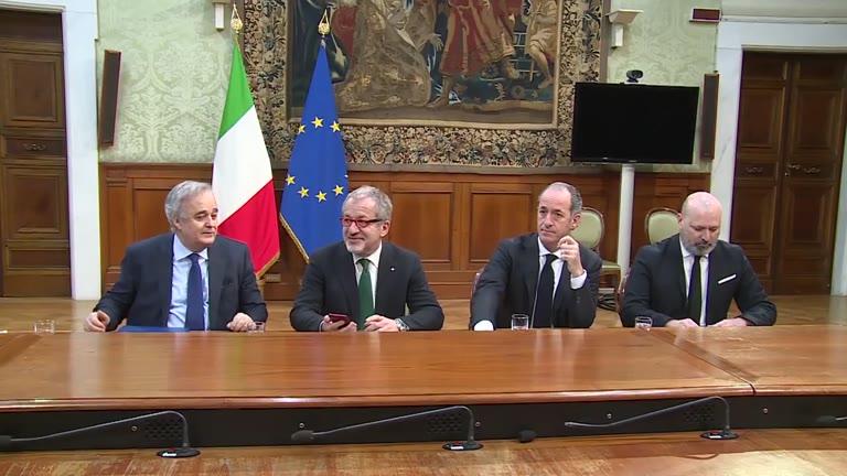 Video: La firma dell'accordo sull'autonomia