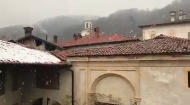 Video: La neve a Villa Della Porta Bozzolo