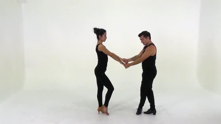 S28 Salsa Beginner/Intermediate Turn Pattern