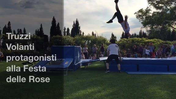 Video: I Truzzi Volanti incantano alla Festa delle Rose