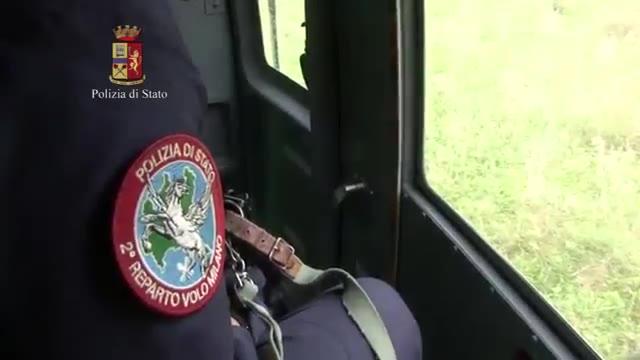 Video: Aereo ultraleggero trasportava droga dall'Albania