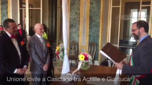 Video: L'unione civile tra Gianluca e Achille a Casciago