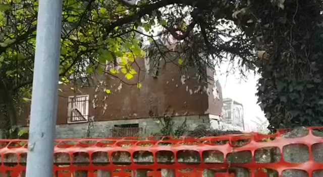 Video: Case delocalizzate : a Ferno si procede con l'abbattimento
