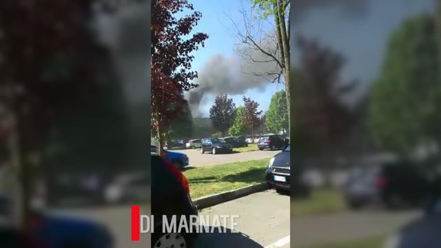 Video: Incendio in un'azienda di Marnate