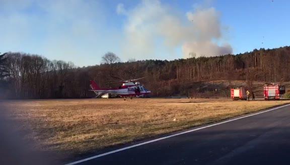 Video: L'elicottero dei vigili del fuoco a Oriano