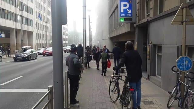 Video: Bruxelles sotto attacco: colpita anche la metro