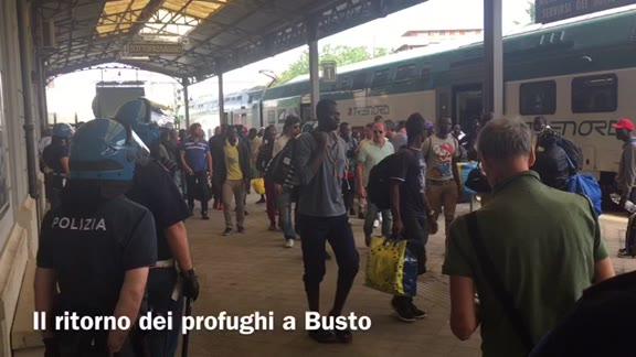 Video: I richiedenti asilo tornano a Busto Arsizio