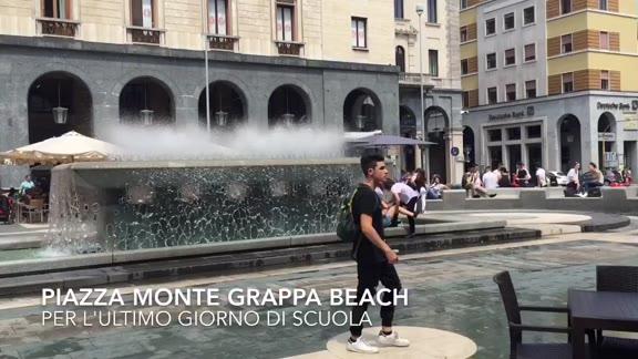 Video: Bagni nella fontana di piazza Montegrappa per l'ultimo giorno di scuola