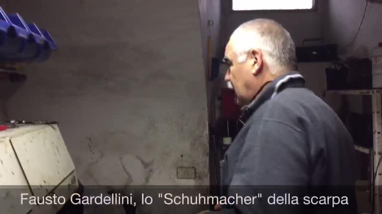 """Video: Lo """"Schumacher della scarpa"""" che fa miracoli"""