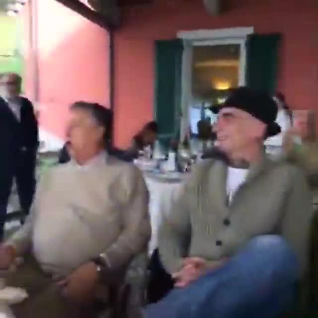 Video: Cochi, Renato e J-Ax, fuoriprogramma a Laveno