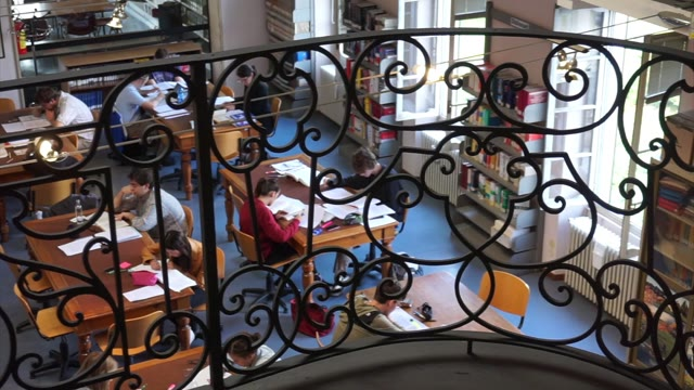 Video: Biblioteca a Varese, le aperture estive e i nuovi servizi