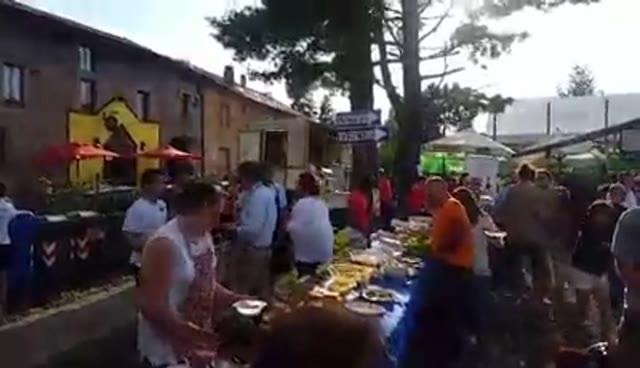 Video: La festa del rugby si apre tra apericena e musica