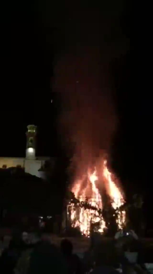 Video: Il falò di Sant'Antonio a Besozzo