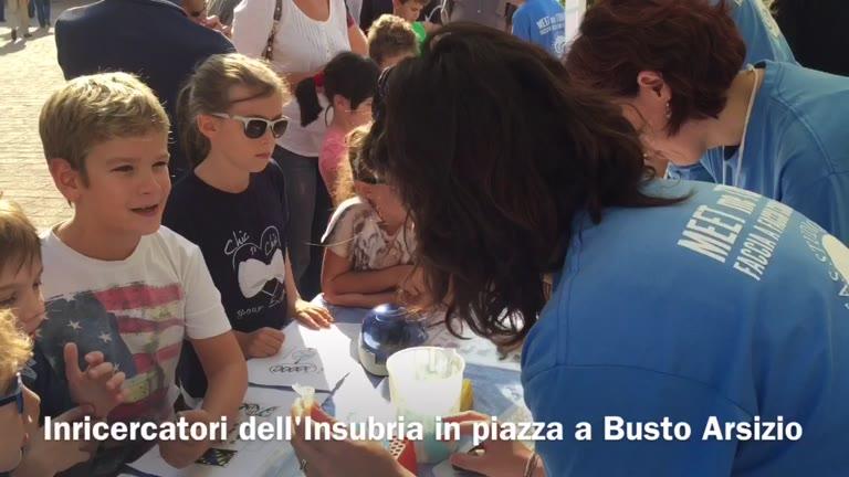Video: I ricercatori dell'Insubria incontrano i cittadini in piazza a Busto Arsizio