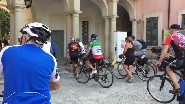 Video: Trecento ciclisti al raduno nazionale di Faib Ciclocitta