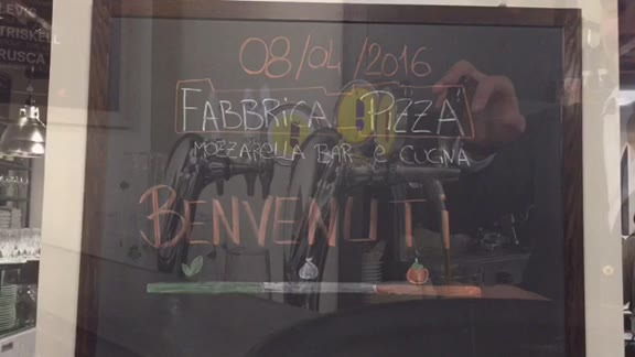 """Video: La """"nuova"""" Fabbrica Pizza"""