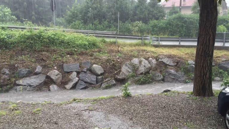 Video: Diluvio, l'Arnetta è gonfia
