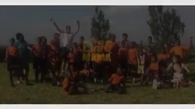 """Video: """"Una vita in missione"""", la cover de Lo Stato Sociale arriva dall'Uganda"""