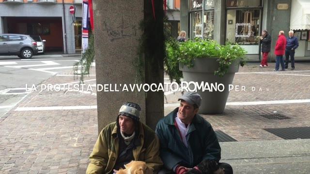 Video: La protesta dell'avvocato Romano per il senzatetto Daniel